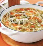 Chicken soup with thread noodles