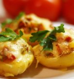 Potato boats with chicken, tomato, and pepper