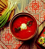 Meatless borsch with kidney beans – Vibrant ruby-colored Ukrainian beetroot soup