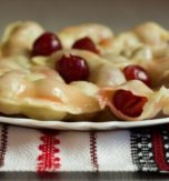 Varenyky with cherries (filled dumplings)
