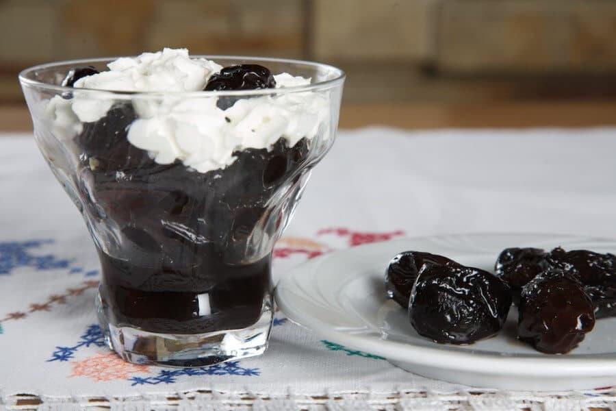 Dessert with prunes