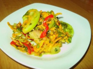 Green tomato and vegetable salad