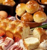 Ukrainian small bread – Pampushka with garlic