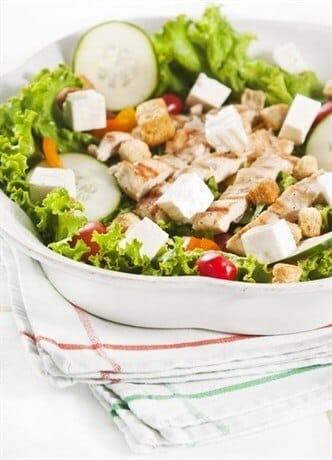 120131084941-120213190525-p-460-300-salat-iz-mjasa-ovoschej-mocarelli-s-sousom-chimichurri