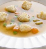 Chicken broth with semolina dumplings