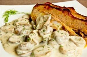 Fried veal with a creamy mushroom gravy