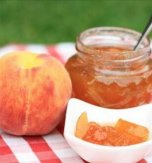 Peach marmalade with walnuts