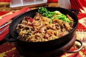 Stewed meat and sauerkraut