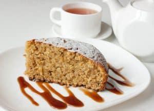 Nut cake with vanilla