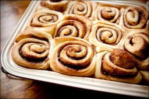 Vanilla buns with cinnamon