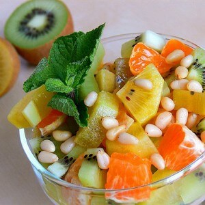 Kiwi and tangerine salad with a lemon and honey dressing