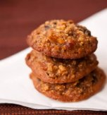 Honey oatmeal cookies with dried fruits