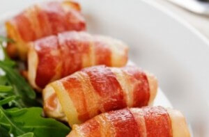 Chicken rolls with bacon and pear