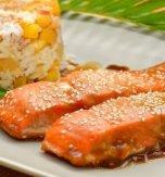 Salmon with honey and cinnamon
