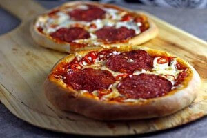 Sausage cheese pizza