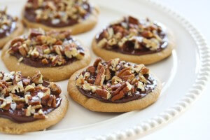 Biscuits with walnuts