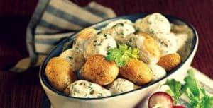 Baby potatoes with garlic