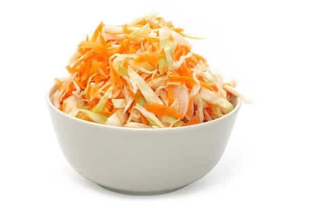 salat-iz-kapusty-s-yablokami-i-morkovyu_39