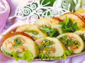 Mashed potato roll with cabbage