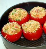 Egg stuffed tomatoes