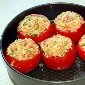 pomidory-farshirovannye-gribami