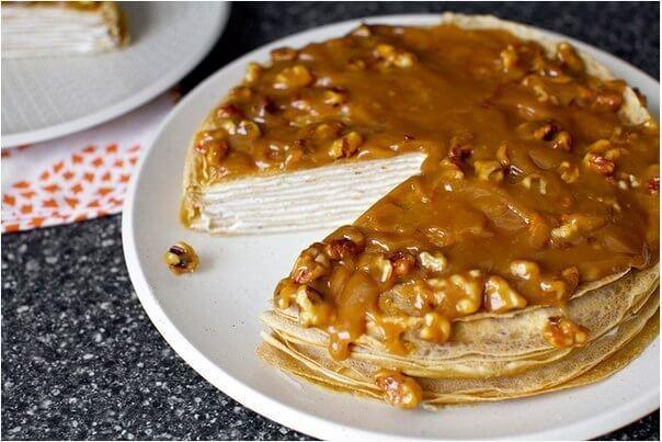 blinnyj-tort-iz-bananov-s-jogurtom-i-glazuryu-iz_4555
