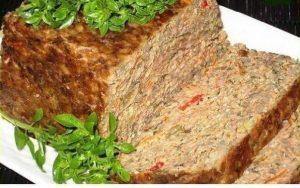 Liver, beef and chicken pie