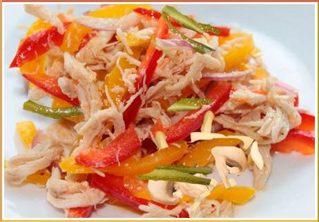 salat-solomka-kuritsa-perets