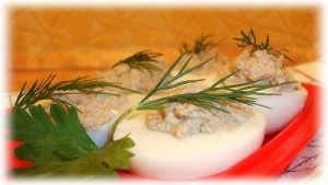 Stuffed eggs with chicken liver