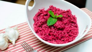 Beetroot and horeradish appetizer with lemon dressing