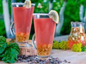 Rhubarb drink with cinnamon, cloves, and raisins