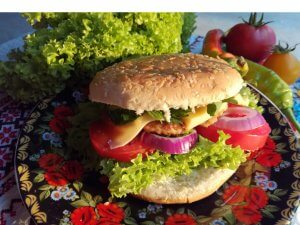 Burger with turkey and vegetables