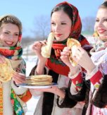 Traditional celebrations of Cheese Week in Ukraine. Why pancakes are the symbol of Masliana?