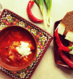 Roasted beet soup with kidney beans